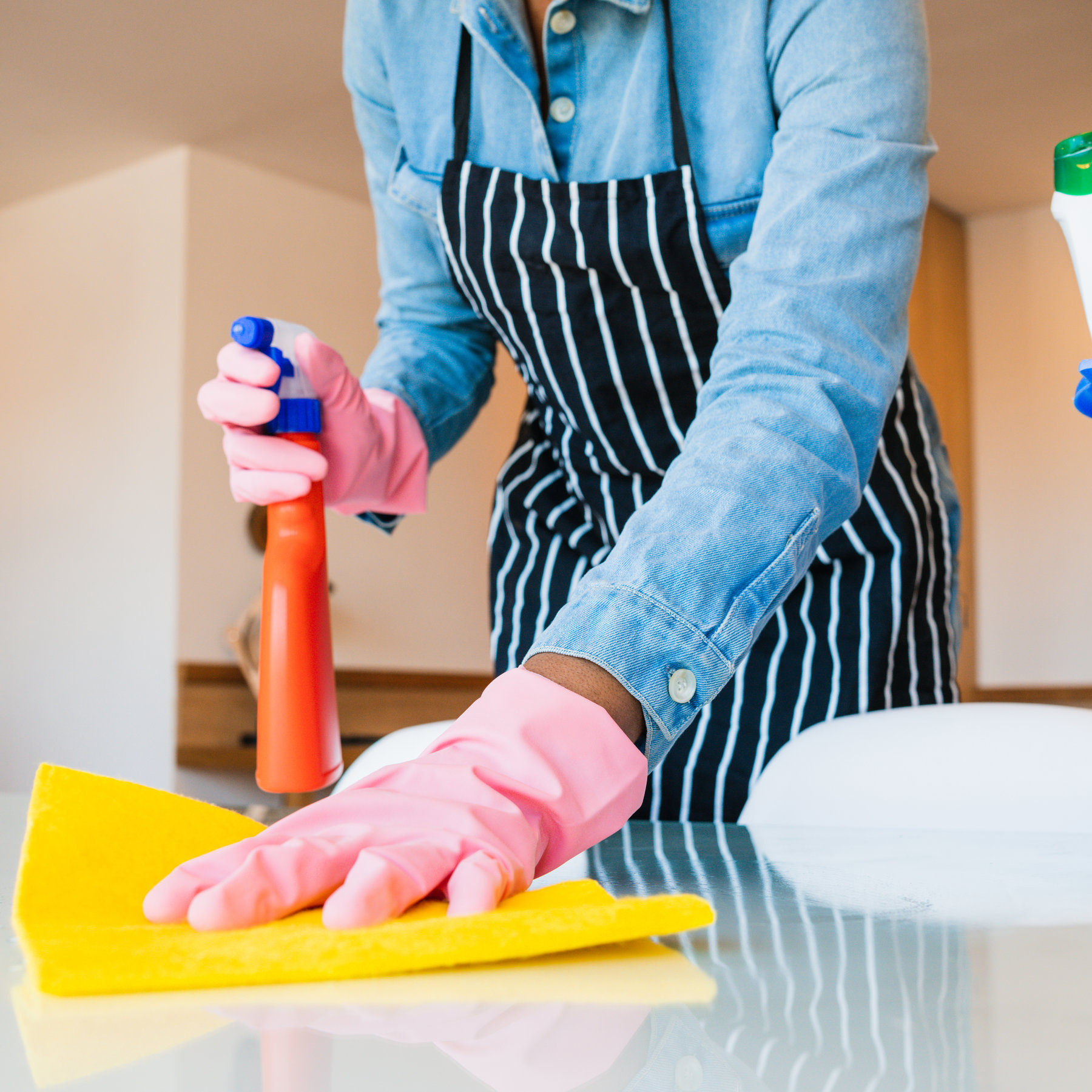 COMMERCIAL AND RESIDENCE CLEANING